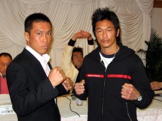 080401aj-kick-yoshimoto2.jpg